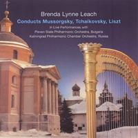 BRENDA LYNNE LEACH: Brenda Lynne Leach Conducts