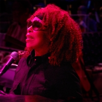Roberta Flack | Bridge Over Troubled Water (Live Version)